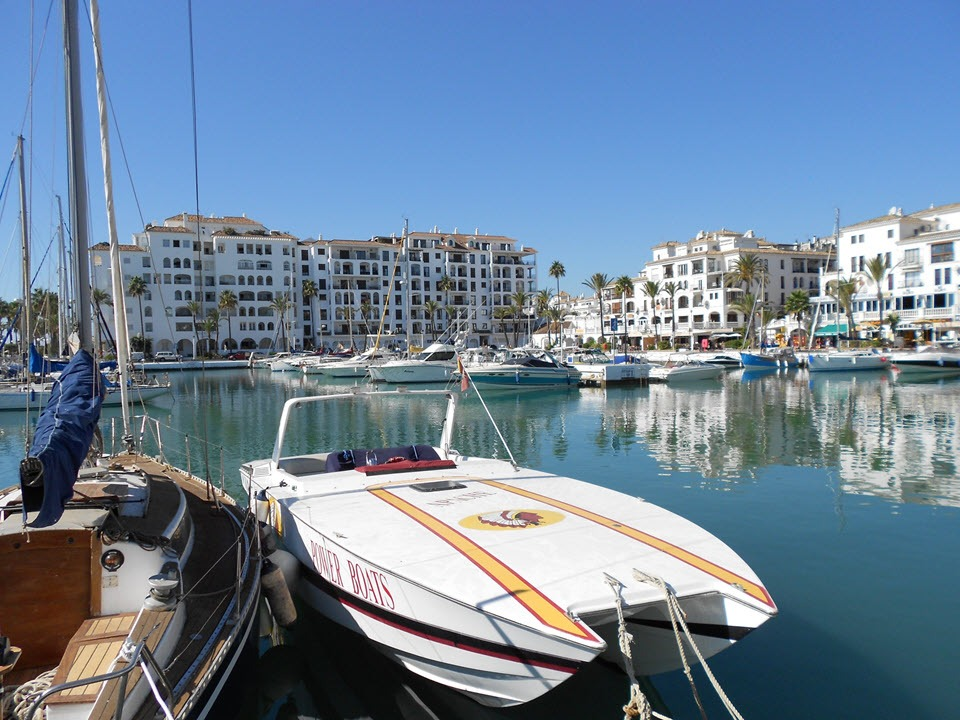 Duquesa marina, boats & fishing