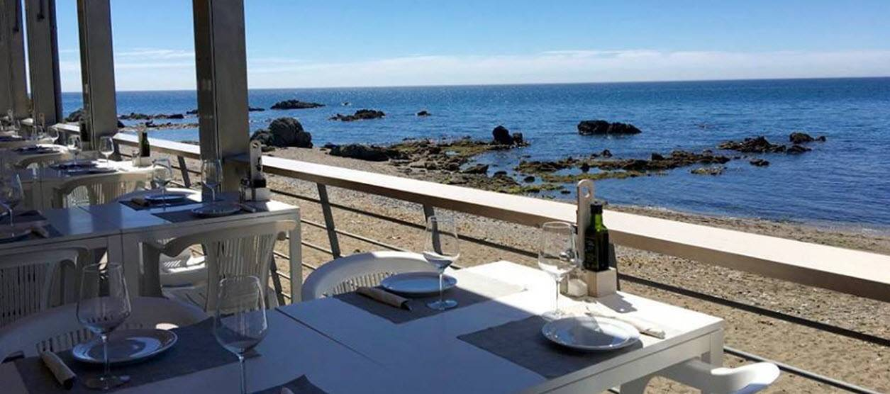 La Sal restaurant beach bar on Casares beach